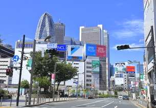 新宿駅東口の写真素材 [FYI04628945]