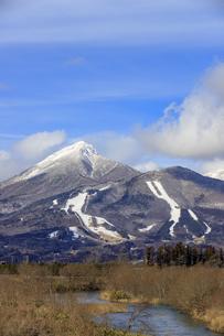 福島県 冬の磐梯山の写真素材 [FYI04629266]