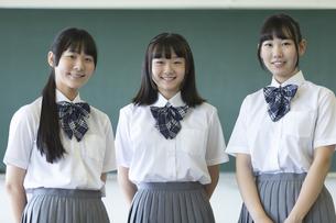 勉強する女子高生の写真素材 [FYI04629638]