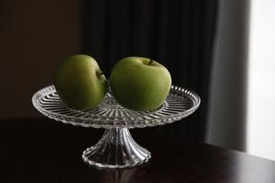 青りんごの写真素材 [FYI04630665]