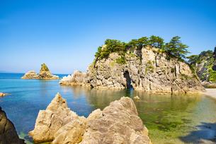 笹川流れ眼鏡岩の写真素材 [FYI04631248]