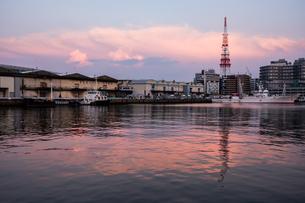 博多港夕景の写真素材 [FYI04631352]