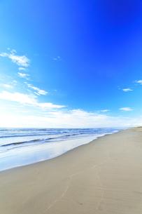 海と空に雲の写真素材 [FYI04631724]