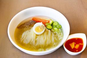 冷麺の写真素材 [FYI04632573]