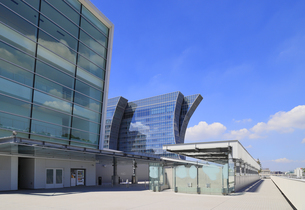 パシフィコ横浜ノースから見るザ・カハラホテルの写真素材 [FYI04632575]
