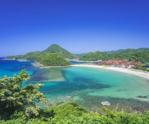 島根県 風景 海岸線と青空の写真素材 [FYI04632664]