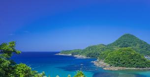 島根県 風景 海岸線と青空の写真素材 [FYI04632685]