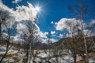 乗鞍高原の雪景色の写真素材 [FYI04633272]