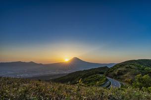 富士山の夕景の写真素材 [FYI04633314]