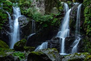 【徳島県 海部郡】 轟九十九滝の自然風景の写真素材 [FYI04633320]