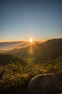 夢の庭園の日没の写真素材 [FYI04633386]
