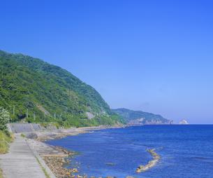 島根県 風景 海岸線と青空の写真素材 [FYI04633499]
