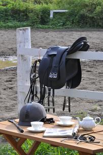 乗馬用馬具のイメージの写真素材 [FYI04633820]