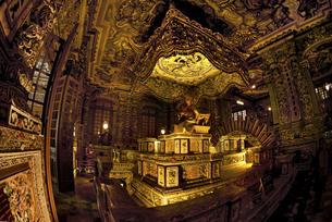 カイディン帝王墓 バロック趣味の華麗な装飾 の写真素材 [FYI04633886]