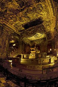 カイディン帝王墓 バロック趣味の華麗な装飾 の写真素材 [FYI04633887]