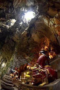 パワースポット五行山マーブルマウンテンのフィエンコ洞窟の写真素材 [FYI04633909]