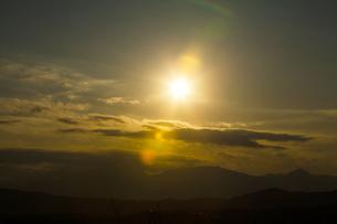 夕暮れの箱根の山々の写真素材 [FYI04634069]