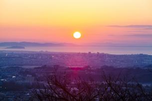 江ノ島の朝焼けの写真素材 [FYI04634078]