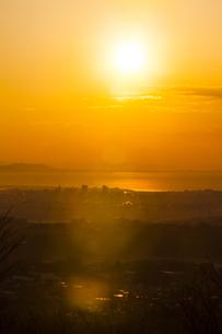 早朝の相模湾の写真素材 [FYI04634082]
