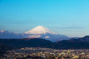弘法山公園から見た富士山の写真素材 [FYI04634084]