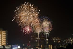 熱海海上花火大会の写真素材 [FYI04634465]