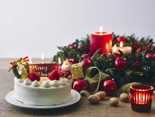 クリスマスケーキとクリスマスのイメージの写真素材 [FYI04634504]