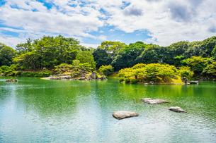 【香川県 高松市】栗林公園の園内の様子の写真素材 [FYI04634542]
