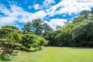【香川県 高松市】晴れの日の栗林公園の写真素材 [FYI04634592]