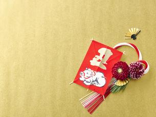 しめ縄と正月飾りの写真素材 [FYI04634906]