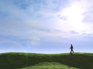 丘を歩く一人の男性のイラスト素材 [FYI04635542]