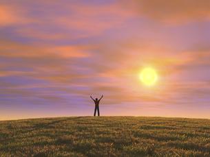 丘の上で夕日に向かって両手を上げる男性のイラスト素材 [FYI04635550]