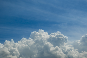 青空と積乱雲の写真素材 [FYI04635585]
