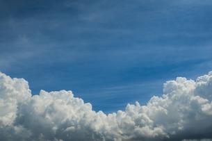 青空と積乱雲の写真素材 [FYI04635587]