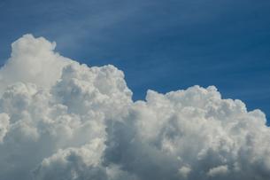 青空と積乱雲の写真素材 [FYI04635588]