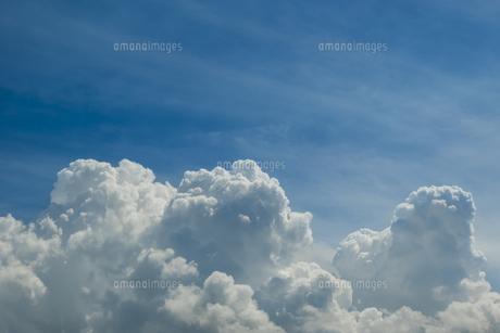 青空と積乱雲の写真素材 [FYI04635589]