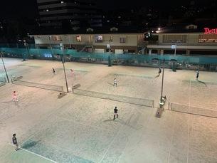 夜のテニスの写真素材 [FYI04635785]