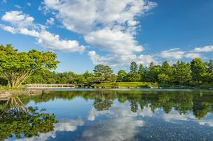 昭和記念公園の美しい日本庭園の写真素材 [FYI04635838]
