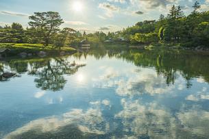 昭和記念公園の美しい日本庭園の写真素材 [FYI04635841]