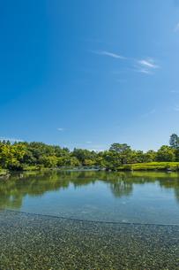 昭和記念公園の美しい日本庭園の写真素材 [FYI04635845]