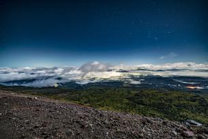 磐梯吾妻小富士夜の風景の写真素材 [FYI04635989]