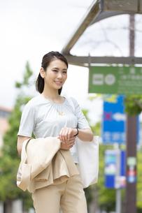 笑顔のビジネス女性の写真素材 [FYI04636895]