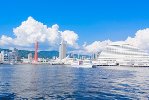 関西の風景 神戸港と街並みの写真素材 [FYI04639522]
