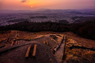 【京都府 京都市】銀閣山からみる京都の夕方の風景の写真素材 [FYI04641197]