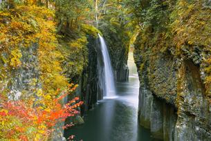 高千穂峡真名井の滝の写真素材 [FYI04644601]