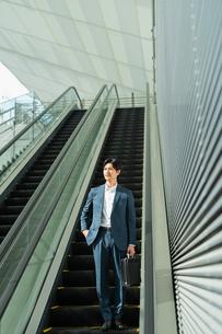 若いアジア人のビジネスマンの写真素材 [FYI04644906]