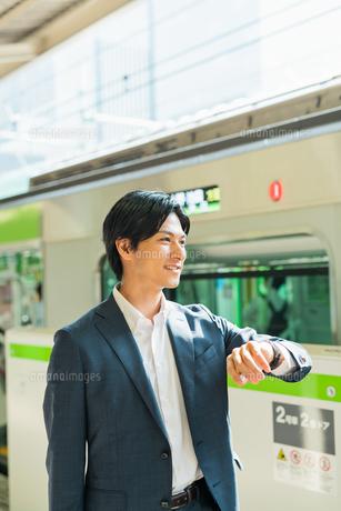 若いアジア人のビジネスマンの写真素材 [FYI04644965]