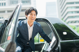 若いアジア人のビジネスマンの写真素材 [FYI04645324]