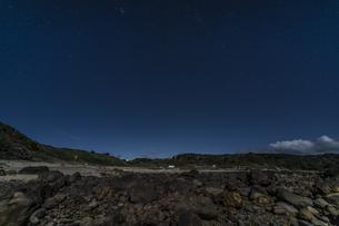 月夜の爪木崎公園の写真素材 [FYI04645386]