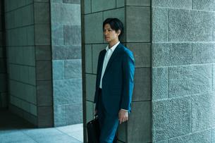 若いアジア人のビジネスマンの写真素材 [FYI04645652]