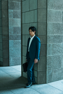 若いアジア人のビジネスマンの写真素材 [FYI04645653]